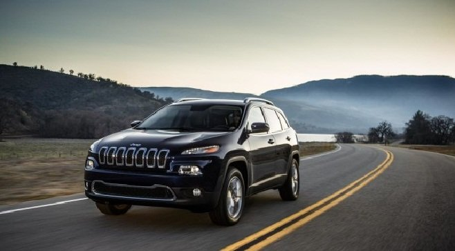Chrysler Catches Flak for Patching Hack Via Mailed USB
