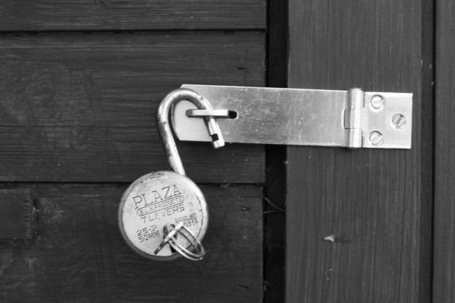 SHA1 algorithm securing e-commerce and software could break by year's end