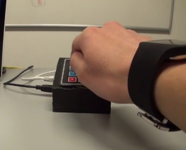 Smartwatches Can Be Used to Spy on Your Card's PIN Code