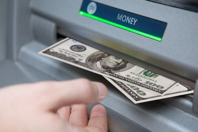 Clever bank hack allowed crooks to make unlimited ATM withdrawals