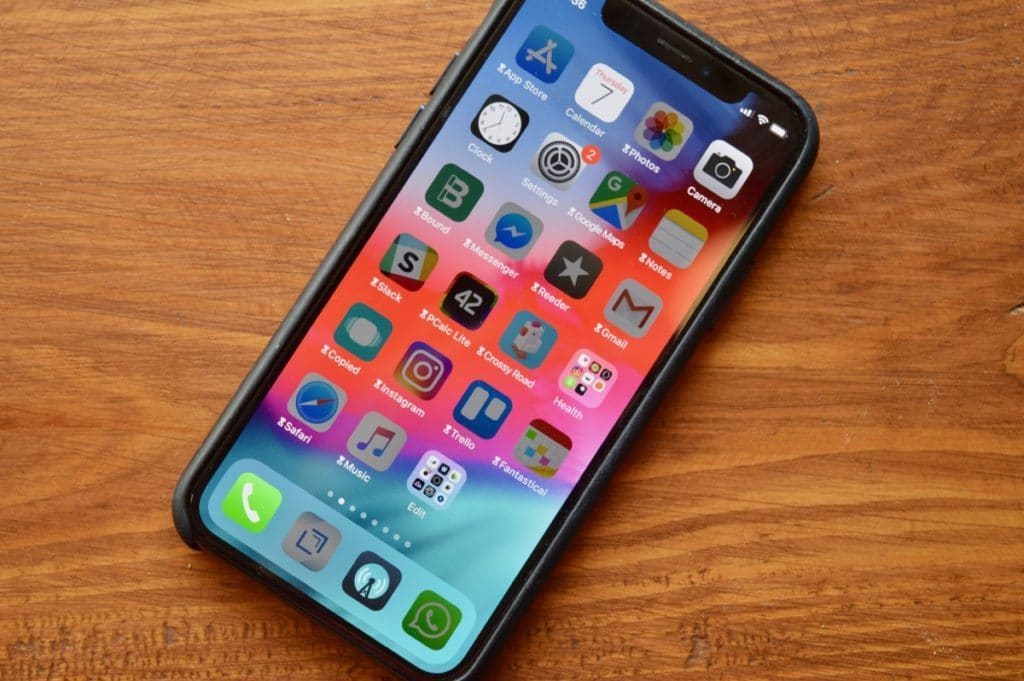 jailbreak for the ios 12 system in the new apple iphone xs. Black Bedroom Furniture Sets. Home Design Ideas